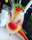 Het Frans en kussen tonische Cocktail royalty-vrije stock foto