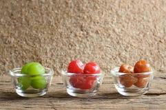 Het fruit van de groenten in het zuurkers stock foto