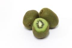 Het fruit van de kiwi dat op witte achtergrond wordt geïsoleerdd Royalty-vrije Stock Afbeelding