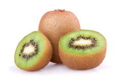 Het fruit van de kiwi dat op witte achtergrond wordt geïsoleerdr royalty-vrije stock foto's