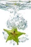 Het Fruit van de ster in water Stock Foto