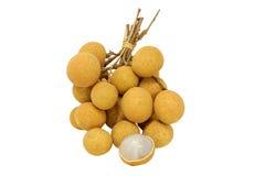 Het fruit van Longan dat op witte achtergrond wordt geïsoleerd Royalty-vrije Stock Afbeeldingen
