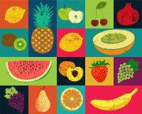 Het fruitaffiche van de pop-art grunge stijl Inzameling van retro vruchten Uitstekende vectorreeks vruchten Royalty-vrije Stock Foto's