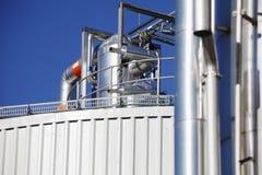 Hoofd raffinaderijolie en benzinepomp Stock Foto