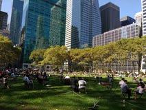 Het Gazon, Bryant Park, Manhattan, NYC, NY, de V.S. Royalty-vrije Stock Afbeeldingen