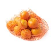 Het geïsoleerde hoogtepunt van de netwerkzak van mandarijnen Royalty-vrije Stock Foto's