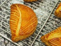 Het gebakje van de fruitomzet, marmeren oppervlakte Royalty-vrije Stock Foto's