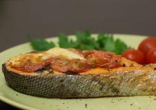 Het gebakken sappige close-up van het zalmlapje vlees Stock Foto