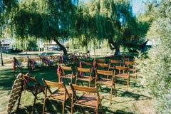 Het gebied van de huwelijksceremonie, het decor van boogstoelen royalty-vrije stock foto