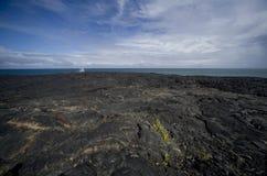 Het Gebied van de lava bij Oceaan Royalty-vrije Stock Afbeeldingen