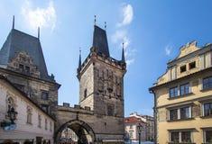 Het gebied van de poederpoort in Praag Stock Afbeeldingen