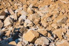 Het gebied van de rotsdia: stapel van gevallen rotsen die de grond behandelen Royalty-vrije Stock Fotografie