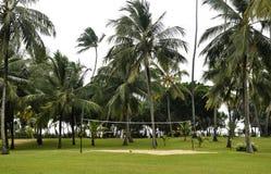 Het gebied van het volleyball op de kust Stock Foto