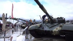 HET GEBIED VAN MOSKOU, RUSLAND - AUGUSTUS 25, 2017 Russische tanks bij militaire parkpatriot Royalty-vrije Stock Afbeelding