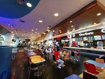 Het gebied van het snel voedselrestaurant bij wandelgalerijbaneasa Winkelende Stad stock fotografie