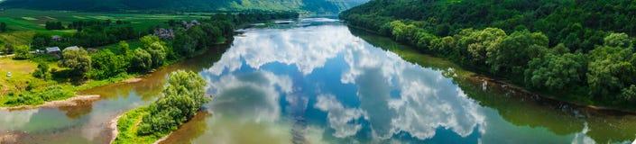 Het gebiedsmening van het panorama mooie landschap royalty-vrije stock foto's