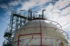 Het gebiedtank van het gas in petrochemische installatie Royalty-vrije Stock Foto