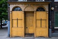 Het gebouw van de WhitechapelKlokkegieterij in Whitechapel, Londen Niet meer gebruikt die fabrieksgebouw, eens door beroemde klok royalty-vrije stock foto