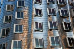 Het gebouw van Neuer Zollhof, Dusseldorf, Duitsland Royalty-vrije Stock Afbeelding