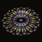 Het Gebrandschilderd glas van de Kathedraal van Straatsburg nam Venster toe Stock Foto's