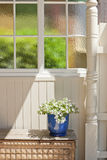 Het Gebrandschilderde glasvenster van het huisdetail stock fotografie