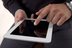 Het gebruiken van een digitale tablet Stock Foto