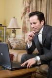 Het gebruiken van laptop Royalty-vrije Stock Afbeelding