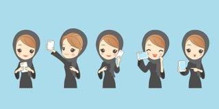Het gebruikstelefoon van de beeldverhaal Arabische vrouw stock illustratie