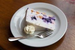 Het gedeelte van zoete cake Royalty-vrije Stock Fotografie