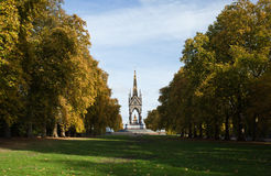 Het gedenkteken van Albert. Het park van Hyde. Londen Stock Foto
