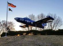 Het gedenkteken van het oorlogsvliegtuig Stock Foto
