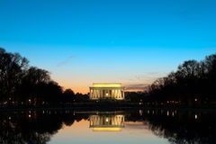 Het Gedenkteken van Lincoln bij Schemer Royalty-vrije Stock Foto's