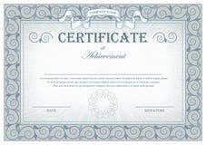 Het gedetailleerde grijze uitstekende certificaat met vlaggen en bloeit vector illustratie