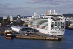 Het gedokte Schip van de Cruise Royalty-vrije Stock Fotografie