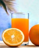 Het gedrukte Oranje Juice Represents Citrus Fruit And-Drinken royalty-vrije stock foto's