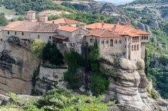HET GEESTELIJKE LEVEN IN DE KLOOSTERS VAN METEORA - KALAMBAKA - GREEC royalty-vrije stock afbeeldingen