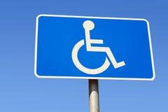Het gehandicapte teken van de parkerenplaats royalty-vrije stock foto