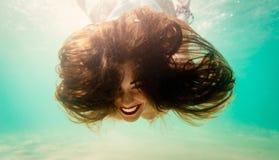 Het gekke Meisje Snorkelen royalty-vrije stock afbeeldingen