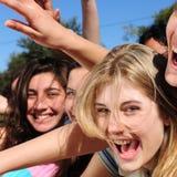 Het gekke tienerventilators gillen stock foto