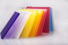 Het gekleurde Acrylsluiten op Foto Royalty-vrije Stock Fotografie