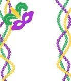 Het gekleurde die kader van Mardi Gras parels met een masker, op witte achtergrond wordt geïsoleerd Royalty-vrije Stock Afbeelding