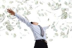 Het geld van de bedrijfsmensenomhelzing Stock Afbeeldingen