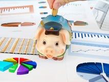 Het geld van de besparing. Royalty-vrije Stock Afbeeldingen