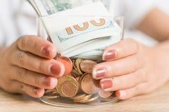 Het Geld van de besparing voor de Toekomst stock fotografie