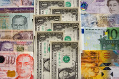 Het geld verdeelt landen Stock Afbeelding