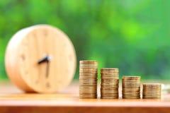 Het geldconcept van de besparing stock foto