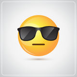 Het gele het Glimlachen van de de Slijtagezonnebril van het Beeldverhaalgezicht Pictogram van de de Mensenemotie Stock Afbeeldingen