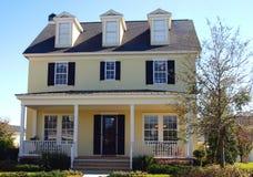 Het gele huis van de de stijldroom van de kaapkabeljauw stock foto's