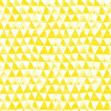 Het gele Stammen Naadloze Patroon van de Driehoekenwaterverf stock fotografie