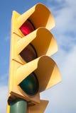 Het gele verkeerslicht toont rood signaal Royalty-vrije Stock Foto
